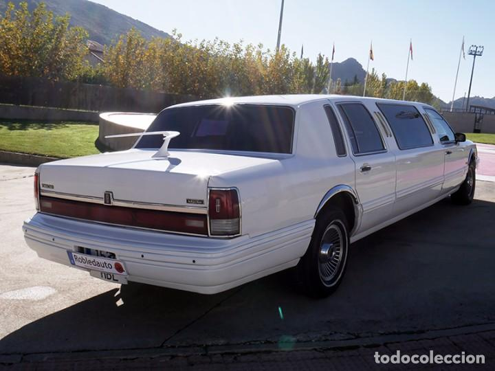 Coches: Ford Lincoln Town Car (limusina) - Foto 5 - 98188727