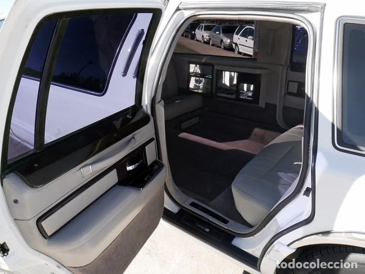 Coches: Ford Lincoln Town Car (limusina) - Foto 13 - 98188727