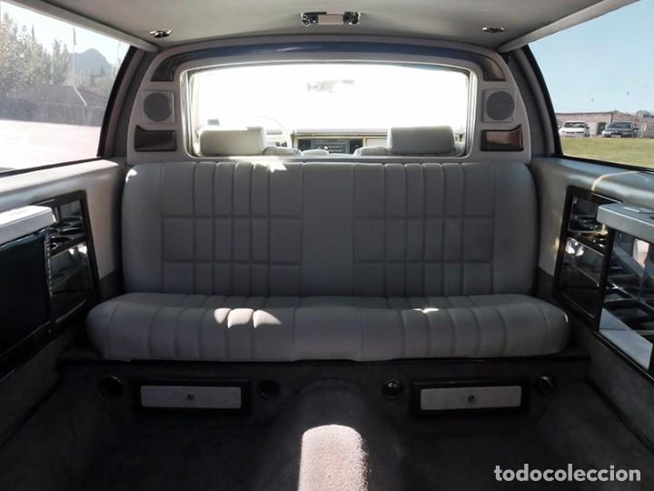 Coches: Ford Lincoln Town Car (limusina) - Foto 16 - 98188727
