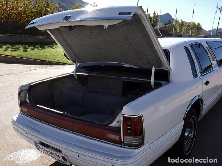 Coches: Ford Lincoln Town Car (limusina) - Foto 23 - 98188727