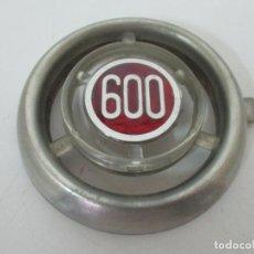 Coches: ESCUDO PARA CALANDRA - LOGOTIPO, PLACA, ANAGRAMA - SEAT 600. Lote 155768030