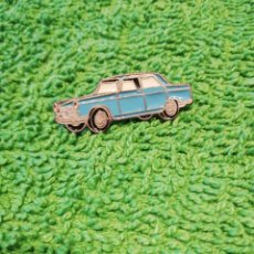 Coches: PEUGEOT 404 PIN ANTIGUO. Lote 171767775