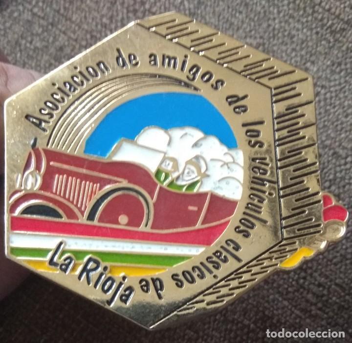 CHAPA DE LA ASOCIACIÓN DE LOS VEHÍCULOS CLÁSICOS DE LA RIOJA (Coches y Motocicletas - Coches Clásicos (a partir de 1.940))