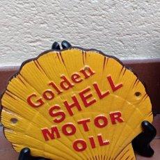 Coches: PLACA DE HIERRO SHELL OIL. Lote 264958834