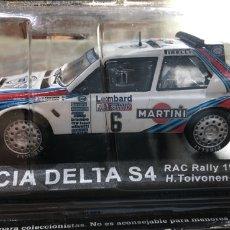 Carros: COCHE RÉPLICA MINIATURA LANCIA DELTA S4. RAC RALLY 1985. H. TOUVONEN-N.WILSON. ESCALA 1/43. Lote 265119744