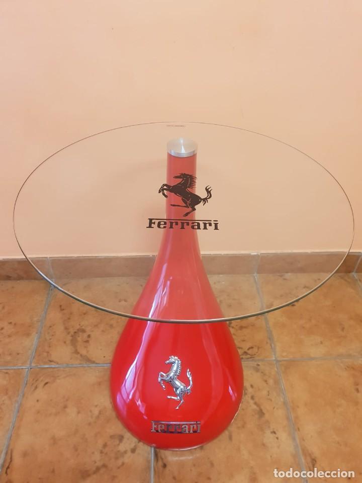 Coches: Ferrari. Mesa auxiliar en fibra de vidrio y cristal templado. - Foto 3 - 276673453