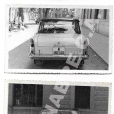 Coches: LOTE 2 FOTOGRAFÍAS 14 X 9 CM SEAT 1500 MATRÍCULA MADRID AÑOS 60 SERVICIO PÚBLICO. Lote 284627768