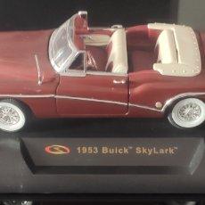 Coches: MAQUETA COCHE 1953 BUICK SKYLARK. SIGNATURE MODELS. Lote 296696123