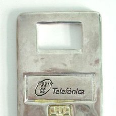 Abrebotellas y sacacorchos de colección: ABREBOTELLA, ABRIDOR METÁLICO DE TELEFÓNICA. Lote 33541028
