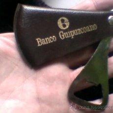 Abrebotellas y sacacorchos de colección: ABREBOTELLAS ABRIDOR PUBLICIDAD BANCO GUIPUZCOANO . Lote 35732762