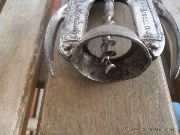 Abrebotellas y sacacorchos de colección: SACACORCHOS DE LA MARCA BOJ CON PUBLICIDAD CORTESIA DE CASTELL DEL REMEY BARCELONA BODEGAS - Foto 4 - 41109176