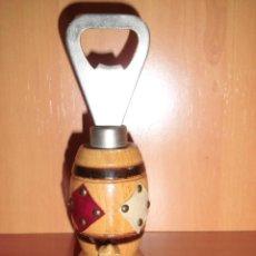 Abrebotellas y sacacorchos de colección: ANTIGUO ABREBOTELLAS RECUERDO DE SAHAGUN . Lote 43267107