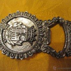 Abrebotellas y sacacorchos de colección: ABREBOTELLAS SALAMANCA-DECORADO POR LAS 2 CARAS CON ESCUDO. Lote 44021444