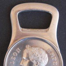Abrebotellas y sacacorchos de colección: ABREBOTELLAS FIRMA CHRISTOFLE FRANCIA 1929 FIGURA DE NAPOLEON CORONA LAUREL. Lote 50046535