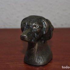 Abrebotellas y sacacorchos de colección: ABREBOTELLAS DE METAL - CABEZA DE PERRO - ABRIDOR CHAPAS - AÑOS 30-40. Lote 94344826