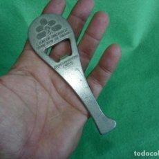 Abrebotellas y sacacorchos de colección: RARO ABRIDOR CAJA DE AHORROS MUNICIPAL DE BILBAO PALA FRONTON CON PELOTA VINTAGE. Lote 95486603