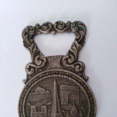 Abrebotellas y sacacorchos de colección: ANTIGUO ABRIDOR PARIS. Lote 99433579