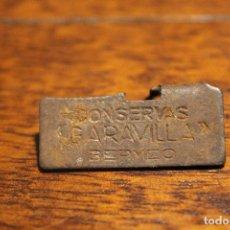 Abrebotellas y sacacorchos de colección: ABRELATAS DE GARAVILLA BERMEO CONSERVA ABRE LATA CHAPA. Lote 103328343