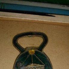 Abrebotellas y sacacorchos de colección: ABRIDOR DE BRONCE PARTHENON. Lote 105291015