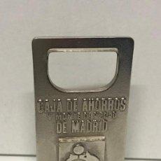 Abrebotellas y sacacorchos de colección: ABREBOTELLAS, ABRIDOR, DESTAPADOR, CAJA MADRID 8X5CMS. Lote 107615491