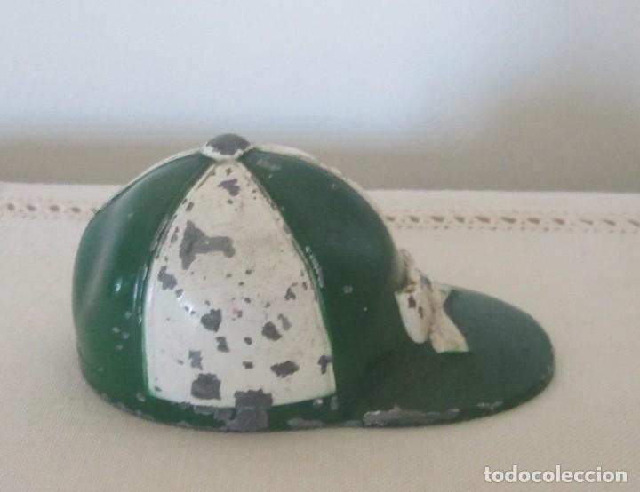 Abrebotellas y sacacorchos de colección: Antiguo abrebotellas en forma de gorra de jinete. Colección, Loyal Prod, fabricación americana - Foto 4 - 110225035