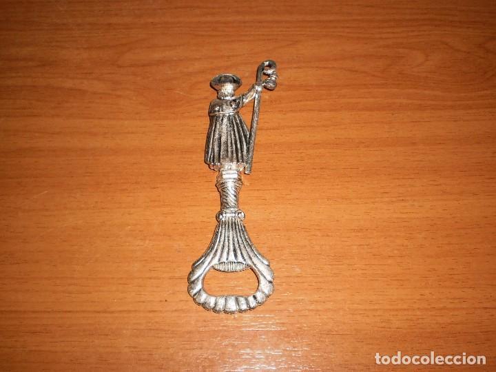 Abrebotellas y sacacorchos de colección: SANTIAGO APOSTOL - ABRIDOR BOTELLAS FIGURA METÁLICO - Foto 2 - 127228779