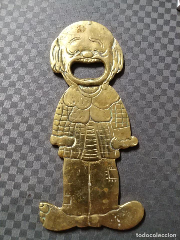 Abrebotellas y sacacorchos de colección: ABRIDOR DE BRONCE PAYASO - SIGLO XX - Foto 3 - 129231071