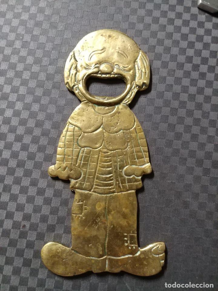 Abrebotellas y sacacorchos de colección: ABRIDOR DE BRONCE PAYASO - SIGLO XX - Foto 4 - 129231071