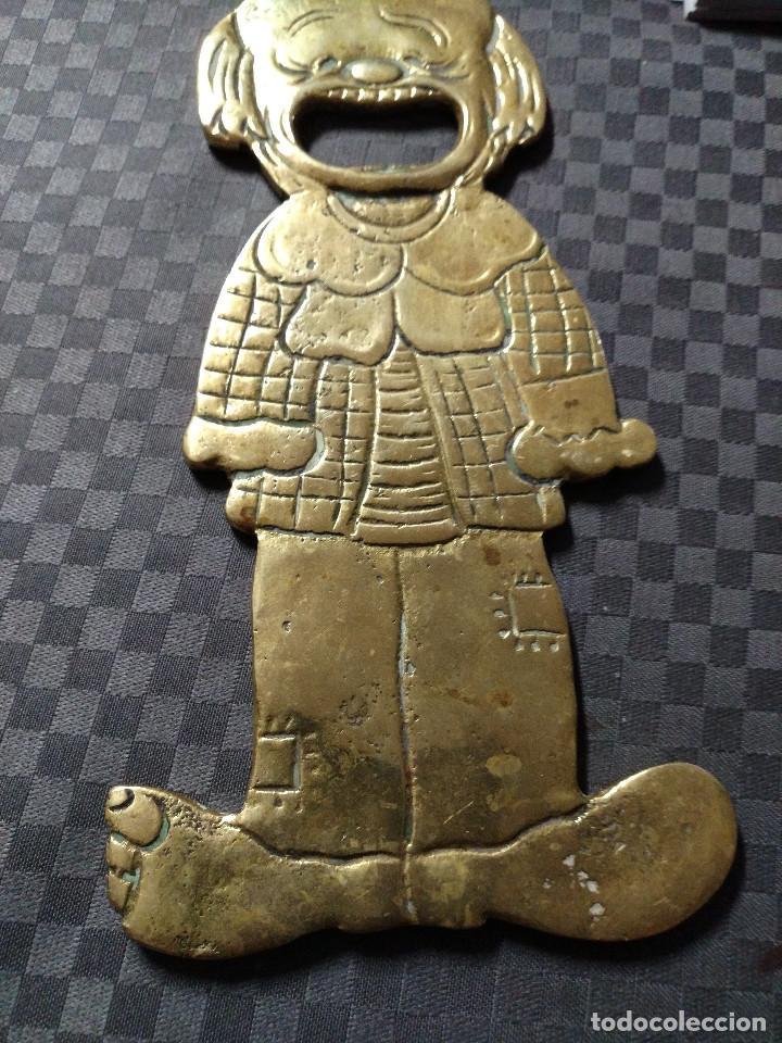 Abrebotellas y sacacorchos de colección: ABRIDOR DE BRONCE PAYASO - SIGLO XX - Foto 5 - 129231071