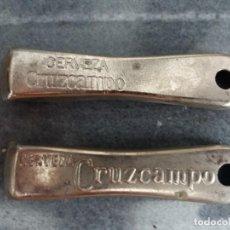 Abrebotellas y sacacorchos de colección: 2 ABRIDORES DE CHAPA BOTELLAS DE CERVEZA CRUZCAMPO. Lote 130650468