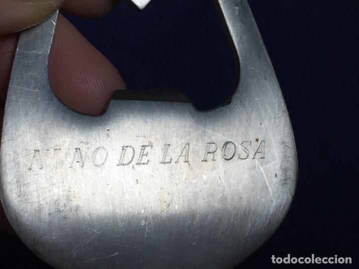 Abrebotellas y sacacorchos de colección: ABREBOTELLAS ACERO FORMA SILUETA COPA MARCA NUÑO DE LA ROSA 8X5CMS - Foto 2 - 133442714
