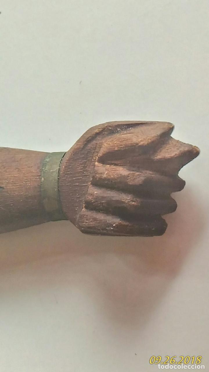 Abrebotellas y sacacorchos de colección: Abridor antiguo. Metal y madera. Forma de un brazo. Tallado Letras Río Brasil - Foto 5 - 134555498