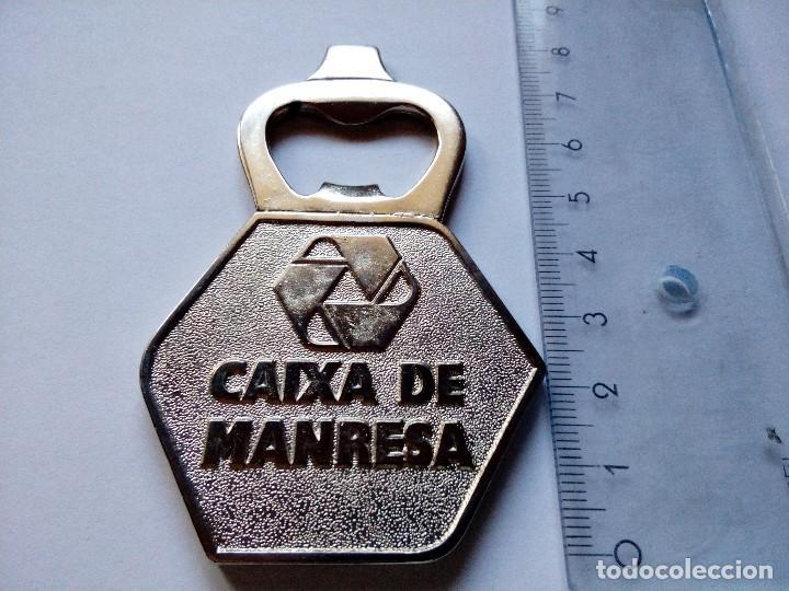 Abrebotellas y sacacorchos de colección: Abridor Caixa Manresa logo antigua Caixa Manresa, vintage, bancos cajas de ahorros, años 90 - Foto 2 - 139448074