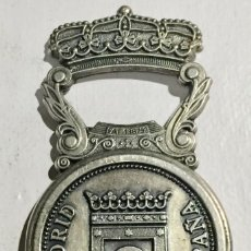 Abrebotellas y sacacorchos de colección: PECULIAR ABREBOTELLAS ( CIBELES MADRID ESPAÑA - PAT. 138793. Lote 144149382