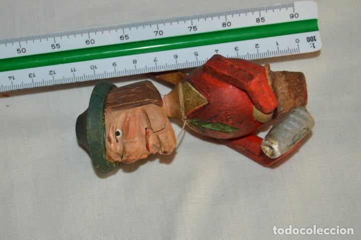 Abrebotellas y sacacorchos de colección: VINTAGE - ANTIGUO TAPÓN / CORCHO PARA BOTELLAS - EN MADERA TALLADA Y PINTADA A MANO - ENVÍO 24H - Foto 3 - 144777638