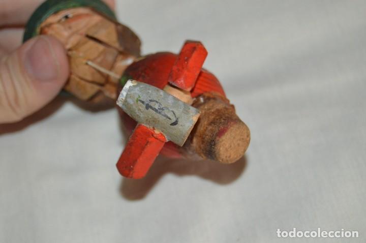Abrebotellas y sacacorchos de colección: VINTAGE - ANTIGUO TAPÓN / CORCHO PARA BOTELLAS - EN MADERA TALLADA Y PINTADA A MANO - ENVÍO 24H - Foto 4 - 144777638