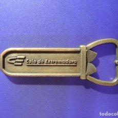 Abrebotellas y sacacorchos de colección: ABREBOTELLAS CAJA DE EXTREMADURA / BRONCE. Lote 145252978