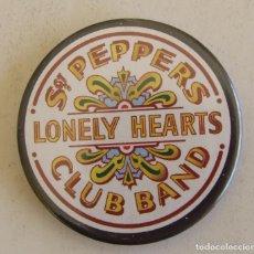 Abrebotellas y sacacorchos de colección: ABREBOTELLAS IMAN DE NEVERA BEATLES SGT. PEPPER'S LONELY HEARTS CLUB BAND. Lote 156457830