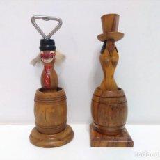 Abrebotellas y sacacorchos de colección: ABREBOTELLAS Y PORTA VELAS ERÓTICOS. Lote 162758974