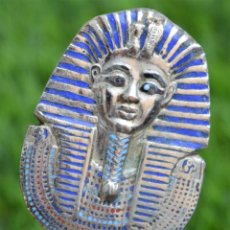 Abrebotellas y sacacorchos de colección: ABRIDOR - ABREBOTELLAS METAL TUTANKAMON - EGIPTO. Lote 164724982