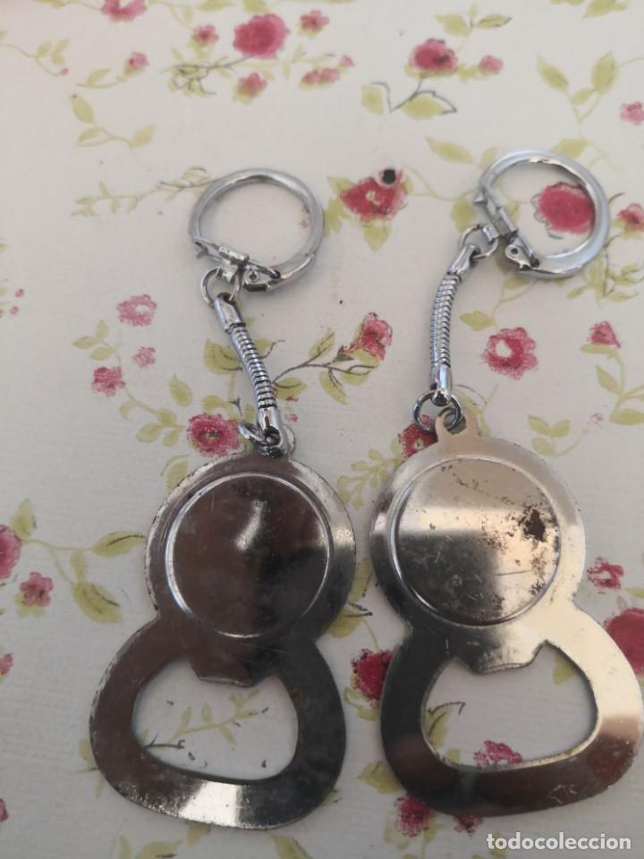 Abrebotellas y sacacorchos de colección: 2 llaveros sacatapas abrebotellas, 1 de coca cola y otro 7up - Foto 2 - 169801132