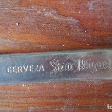 Abrebotellas y sacacorchos de colección: ABREBOTELLAS SAN MIGUEL. Lote 176680382