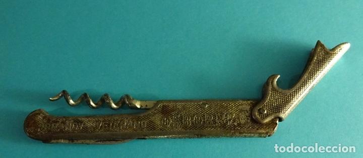 Abrebotellas y sacacorchos de colección: SACACORCHOS METÁLICO CON PUBLICIDAD OSBORNE BRANDY VETERANO Y AMONTILLADO COQUINERO - Foto 2 - 182356287