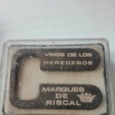 Abrebotellas y sacacorchos de colección: CORTACAPSULAS PARA BOTELLAS DE VINO. PUBLICIDAD MARQUES DE RISCAL. Lote 189562368