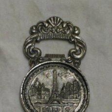 Abrebotellas y sacacorchos de colección: ANTIGUO ABRIDOR. ABREBOTELLAS.PARIS. NAPOLEON.. Lote 192797352