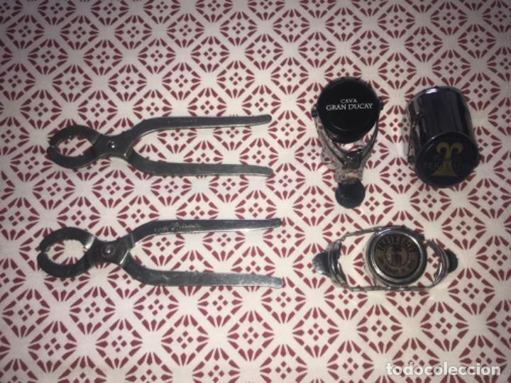 Abrebotellas y sacacorchos de colección: 2 sacacorchos y 3 tapa botellas de cava ... ZKR - Foto 2 - 198599365