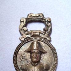 Abrebotellas y sacacorchos de colección: ANTIGUO ABREBOTELLAS ABRIDOR NAPOLEÓN Y PARIS. Lote 211578654