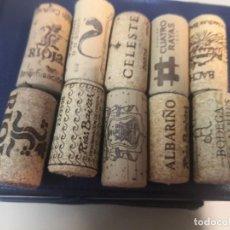 Abrebotellas y sacacorchos de colección: 10 TAPÓNES CORCHO DIFERENTES BEBIDAS. Lote 221623753