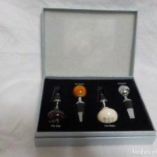 Ouvre-bouteilles et tire-bouchons à collectionner : MERCEDES BENZ.CAJA CON CUATRO TAPONES PARA BEBIDAS. Lote 229898695