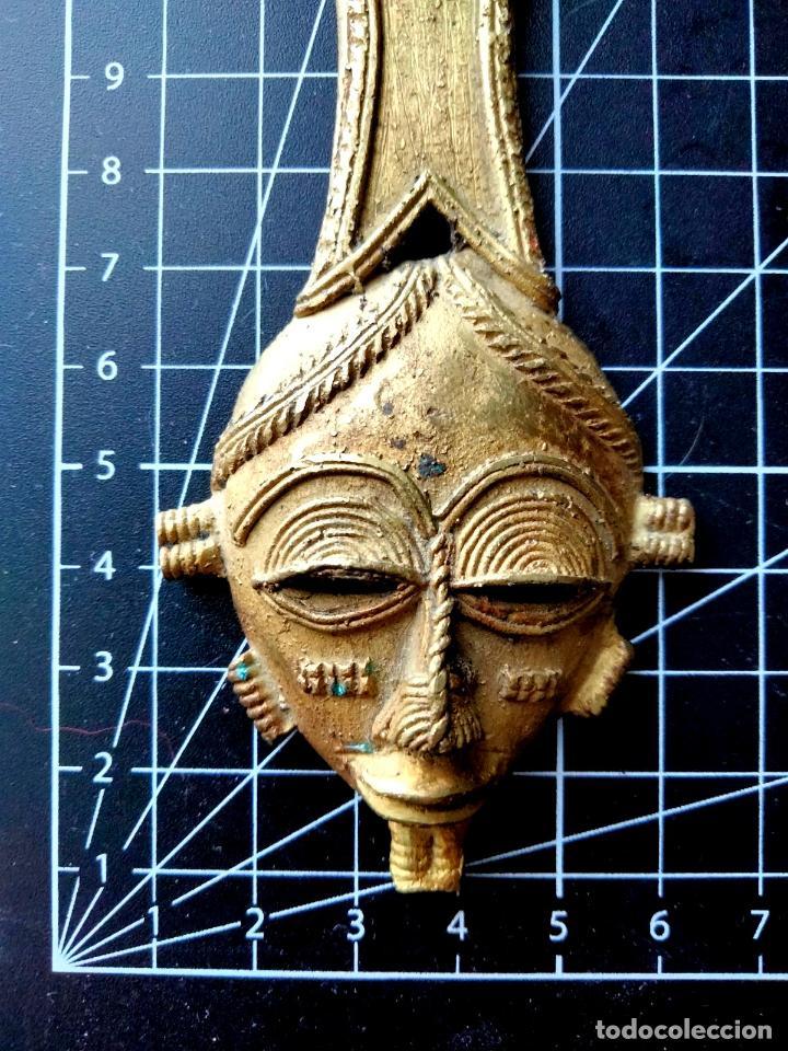 Abrebotellas y sacacorchos de colección: Abrebotellas Descapsulador de Bronce Máscara Étnica - Foto 2 - 290080558